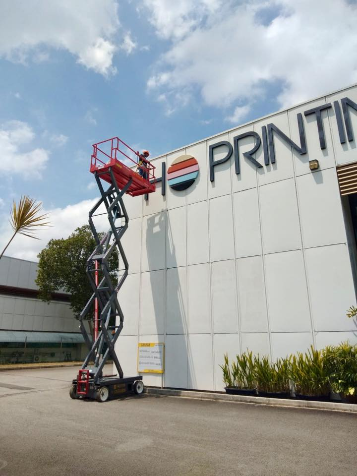 Building Signage Installation | Ho Printing Singapore